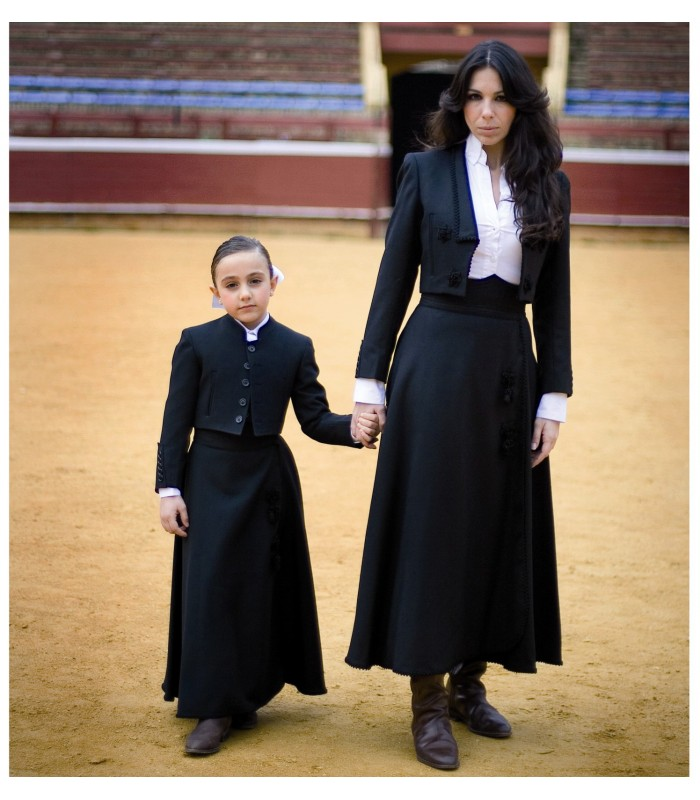 21bf7fd93 chaqueta y falda cordobesa tienda flamenco Madrid maty.es